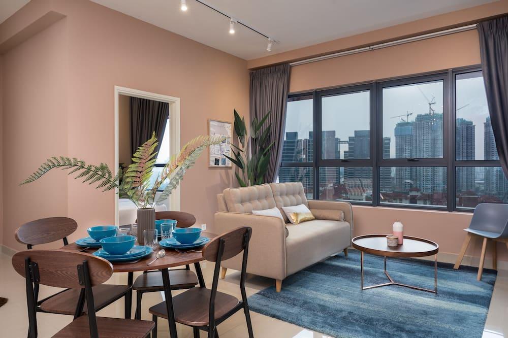 Classic Condo - Living Room