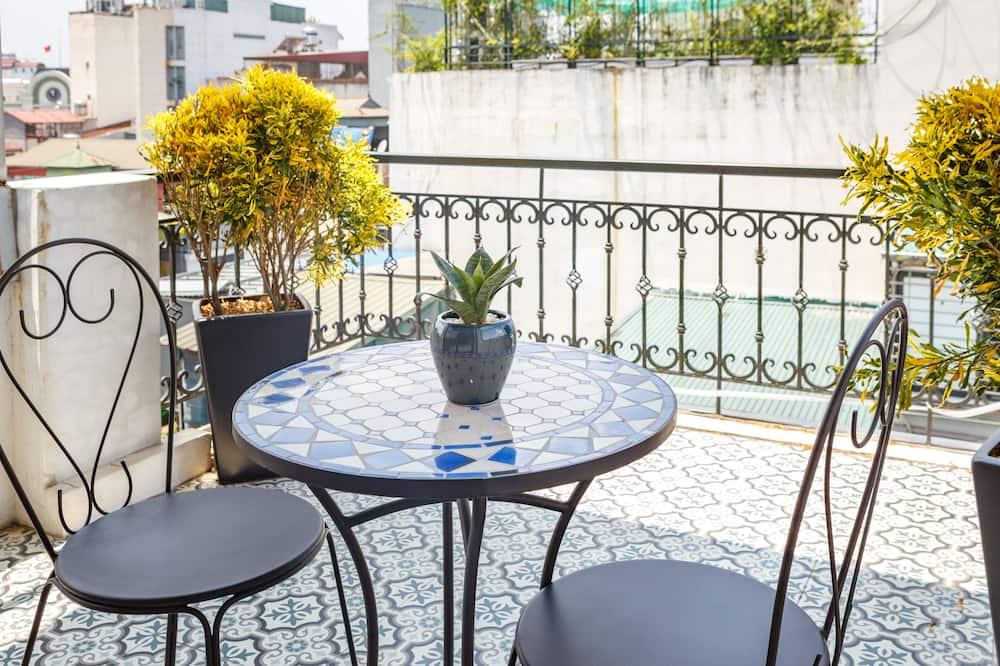 Junior Süit, Balkon - Balkon