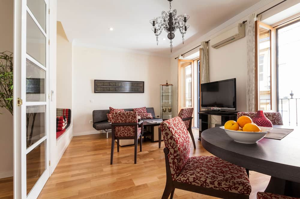 Apartamentai, 2 miegamieji, terasa - Svetainės zona