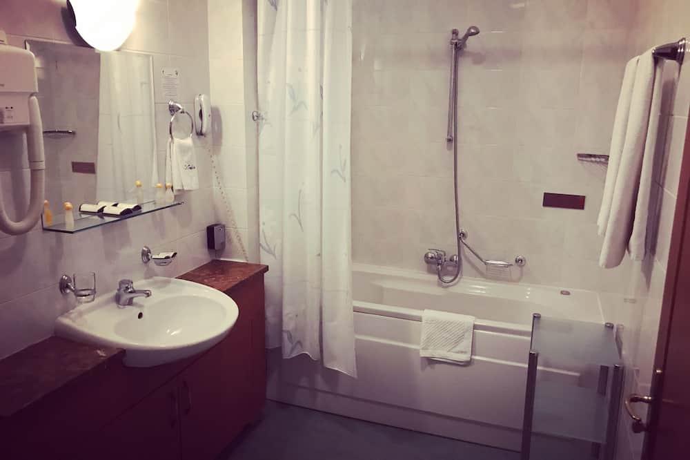 Kamar Deluks, 1 Tempat Tidur King, pemandangan kota - Kamar mandi