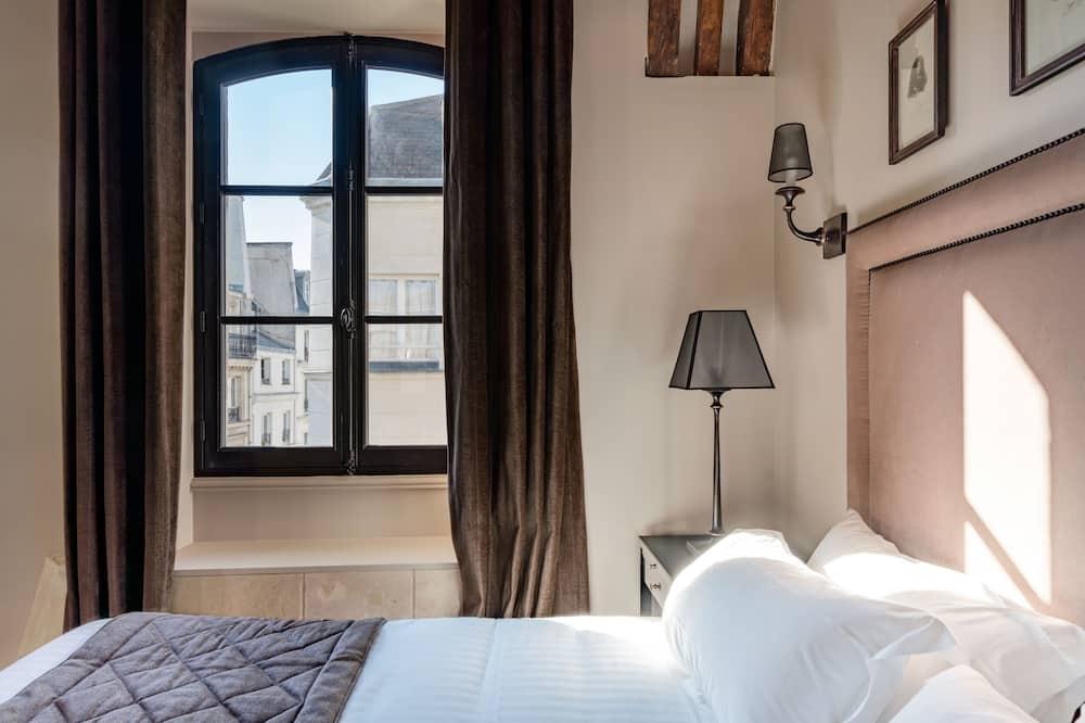 חדר דה-לוקס זוגי או טווין, מיטת קווין - נוף לרחוב