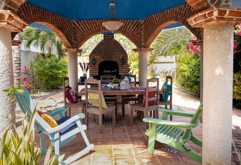 Deep Blue Condos 202 by Skyrun, Isla Mujeres, BBQ/Picnic Area
