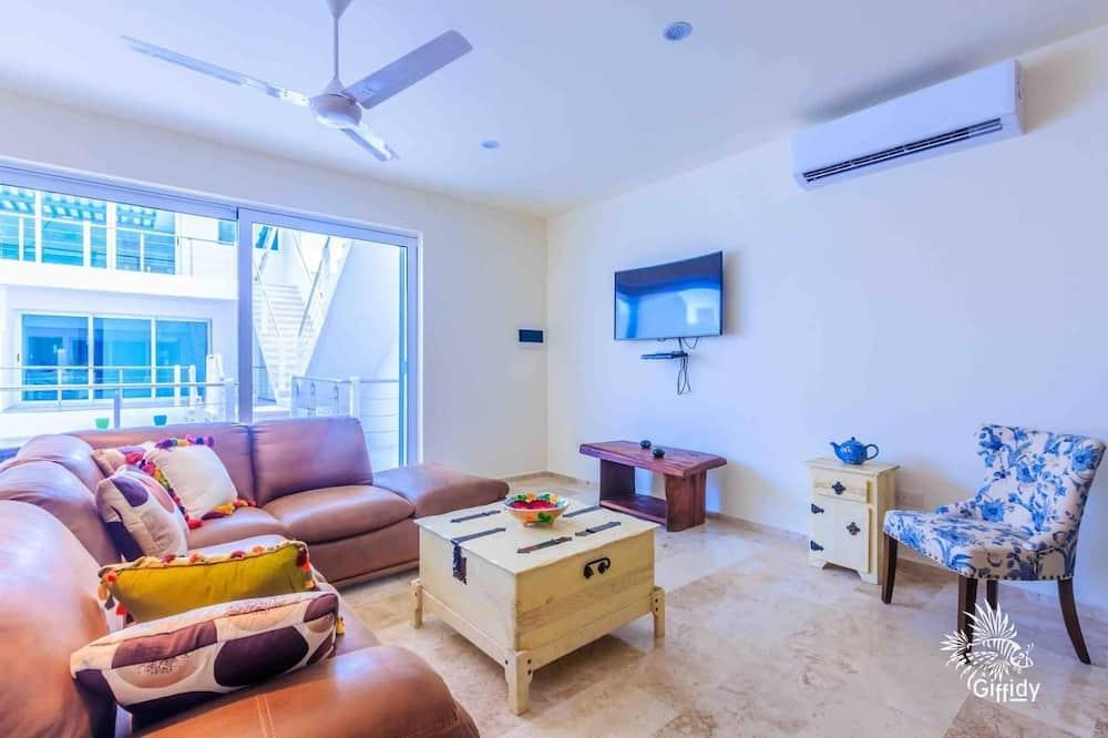 Suite, 1 Bedroom, Non Smoking - Living Room