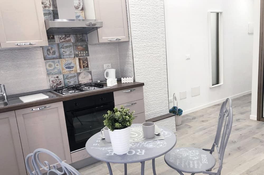 Habitación Deluxe, balcón, vista a la ciudad (Smile) - Servicio de comidas en la habitación