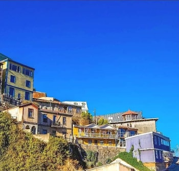 Top 10 Hostels in Valparaiso from $13/night | Hotels.com