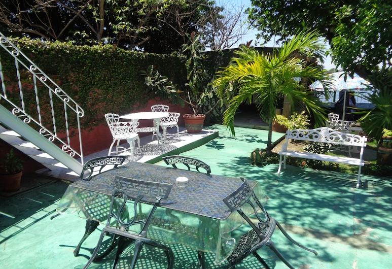 Casa La Inglesa, Cienfuegos, Economy Apartment, Multiple Beds, Courtyard View, Courtyard