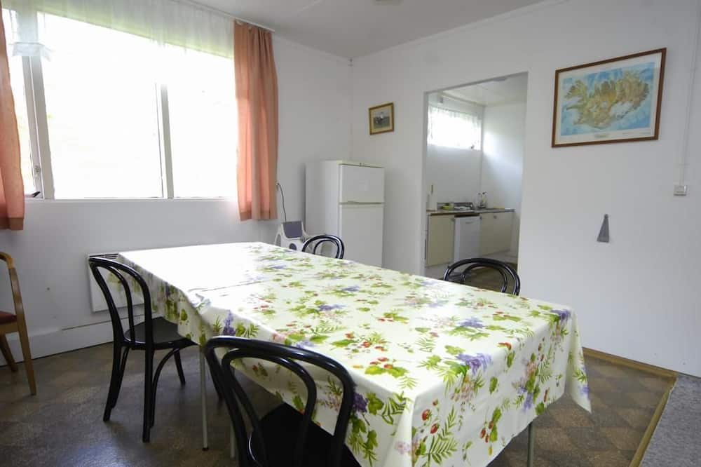 Camera familiare, bagno condiviso - Cucina condivisa