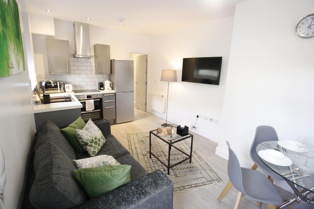 Luxury Apartment, 1 Bedroom (Flat 3) - Living Room