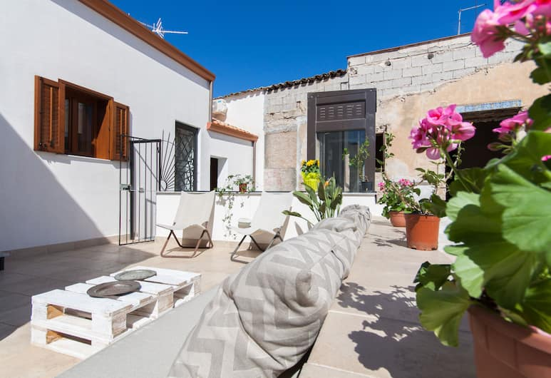 Great Terrace close to Massimo Theatre, Palerme