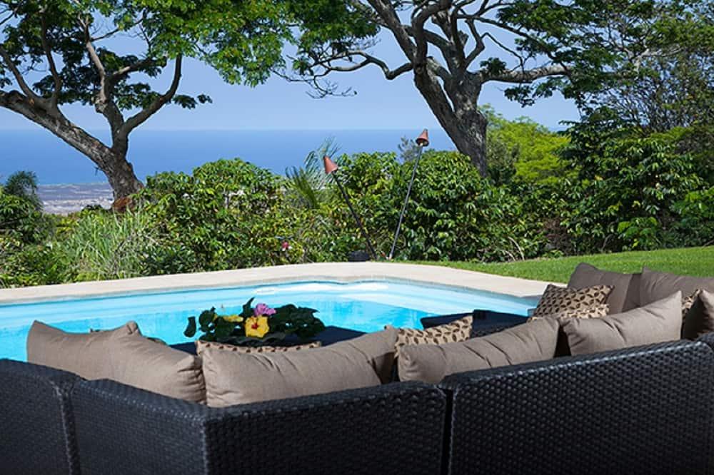 Villa Quatro and Hale Pinao - Nine Bedroom House