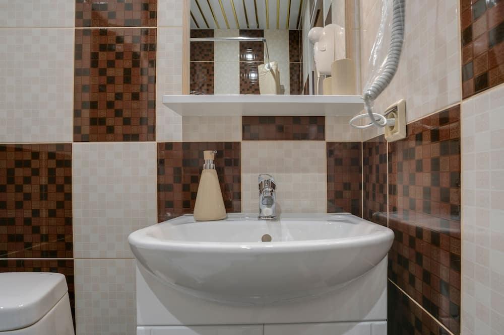 Junior Suite (2) - Bathroom