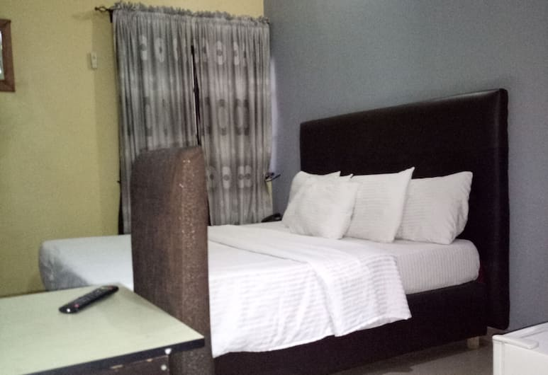 Pulville Boulevard, Lagos, Deluxe Double Room, 1 Double Bed, Guest Room