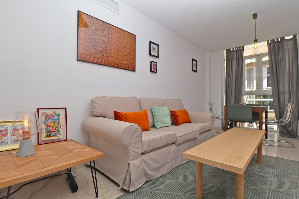 Apartment, 2 Bedrooms, Kitchen, City View - Living Room