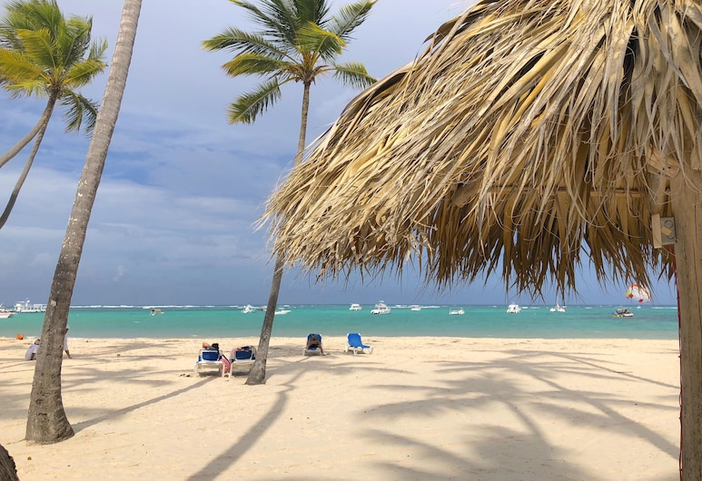 TrueCost Caribbean Paradise, Punta Cana, Beach