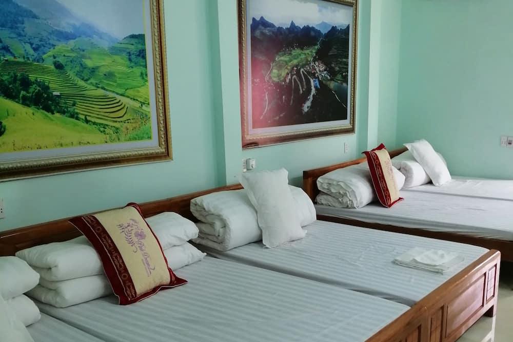 Basic Twin Room - Living Area