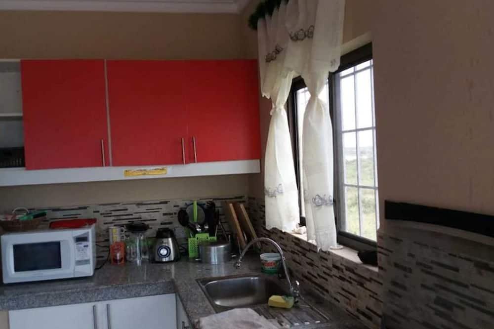 Čtyřlůžkový pokoj typu Basic, 1 ložnice - Společná kuchyně