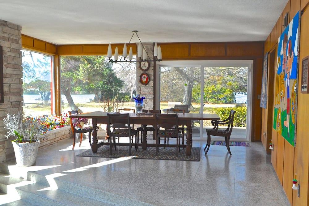 Panoramic Ev, Birden Çok Yatak, Göl Manzaralı - Odada Yemek Servisi