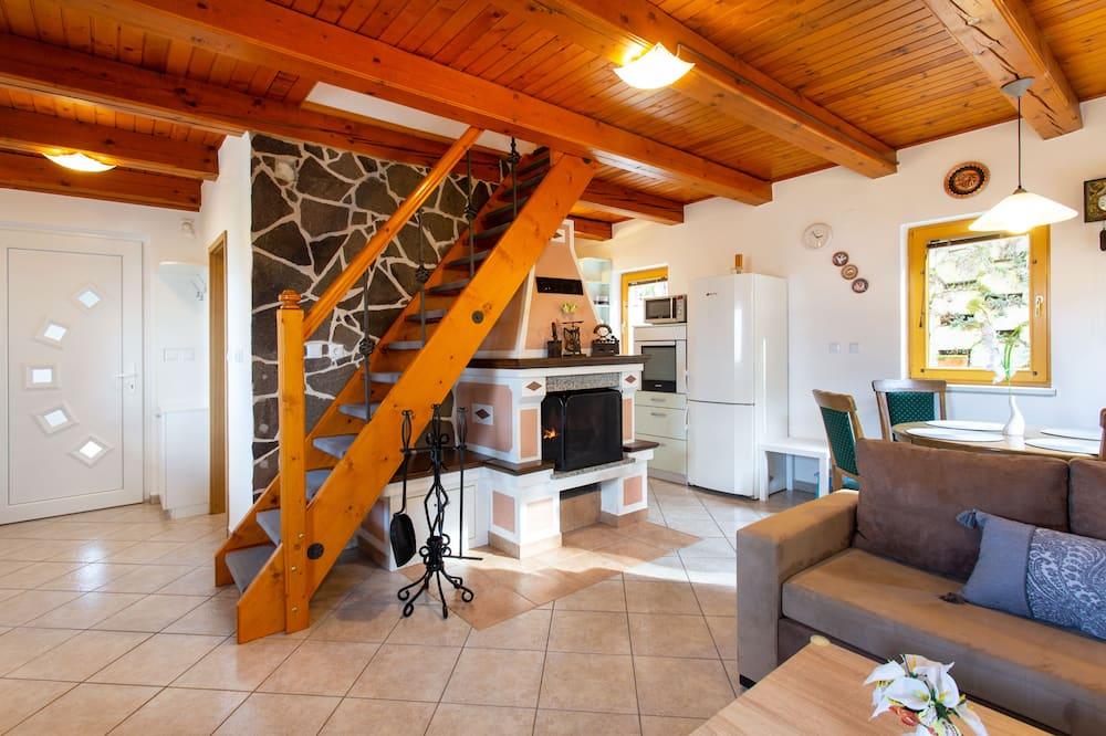 家庭獨棟房屋, 2 間臥室, 壁爐, 山景 - 客廳