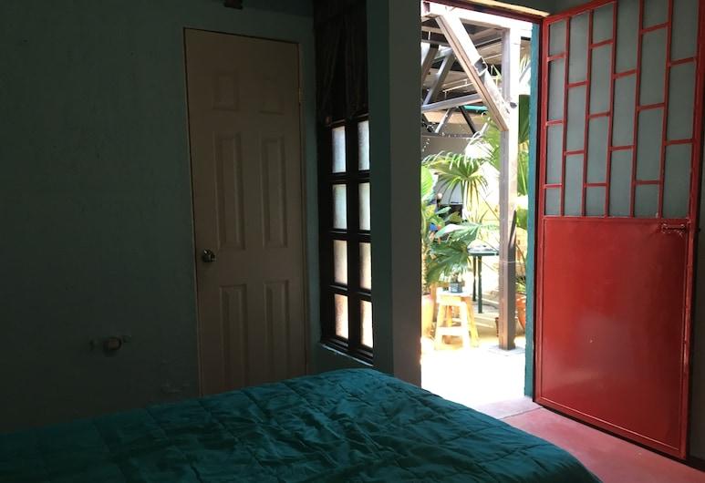 Greenhouse Hostel, Antigua Guatemala, Perushuone neljälle, Useita sänkyjä, Oma kylpyhuone, Vierashuone