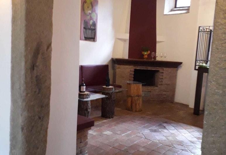 B&B Le Vie del Borgo, Castiglione di Sicilia, Comfort Apartment, Mountain View, Living Area