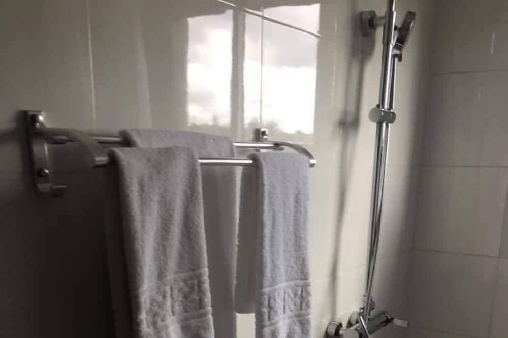 Phòng Suite tiện nghi đơn giản, 1 giường cỡ king, Không hút thuốc - Phòng tắm
