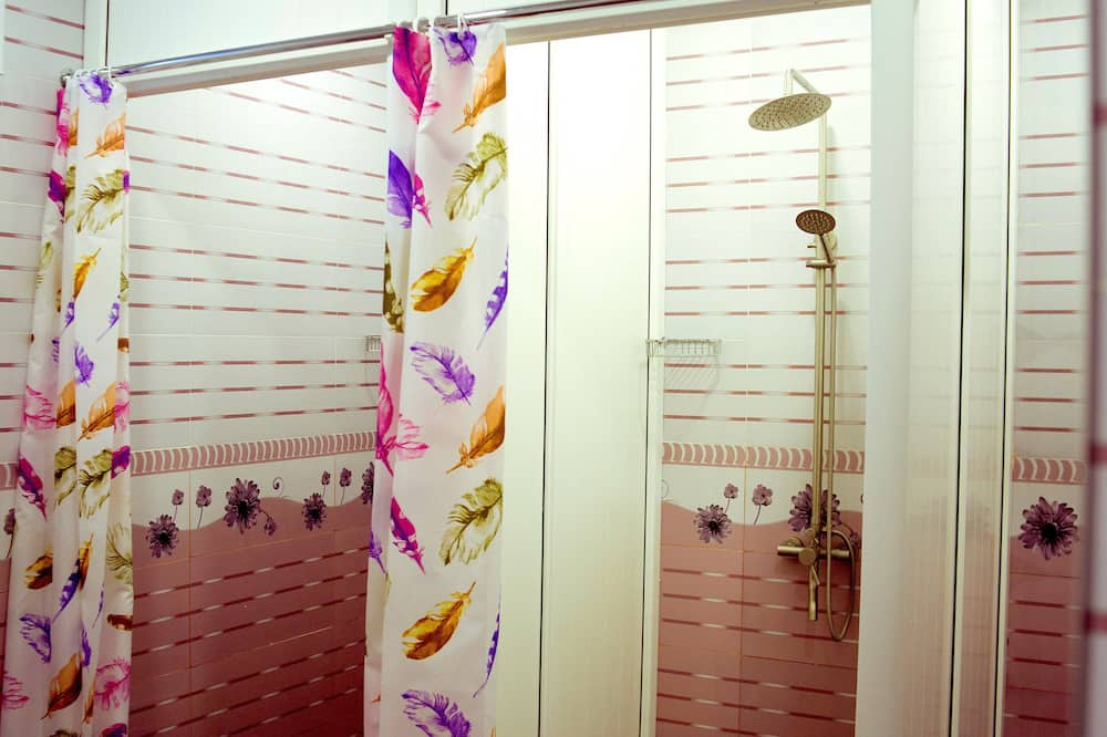 Загальне спальне приміщення, Змішаний дортуар (4 beds) - Ванна кімната