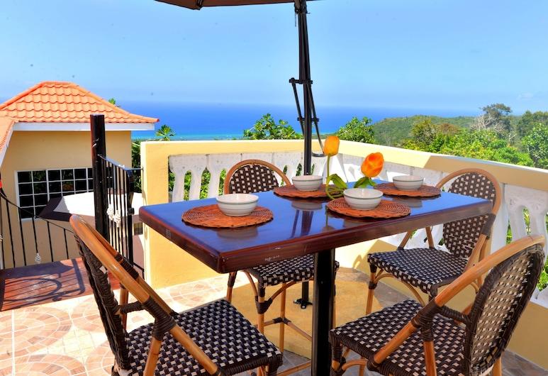 Takuma Boutique Hotel and Villa Suites Jamaica, Montego Bėjus, Sporto baras