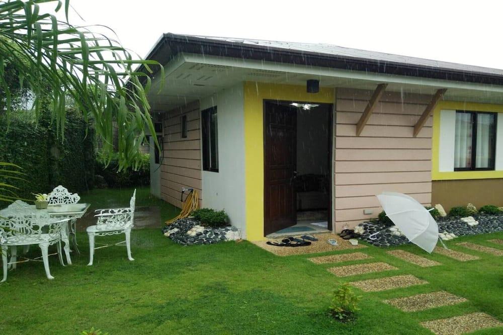Bungalow con casa de 2 habitaciones