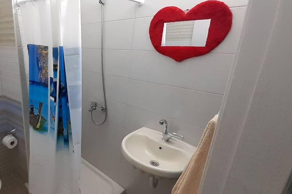 Kambarys, 1 standartinė dvigulė lova - Vonios kambarys