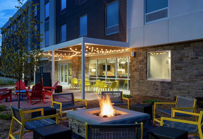 Home2 Suites by Hilton Appleton, Appleton, Terras