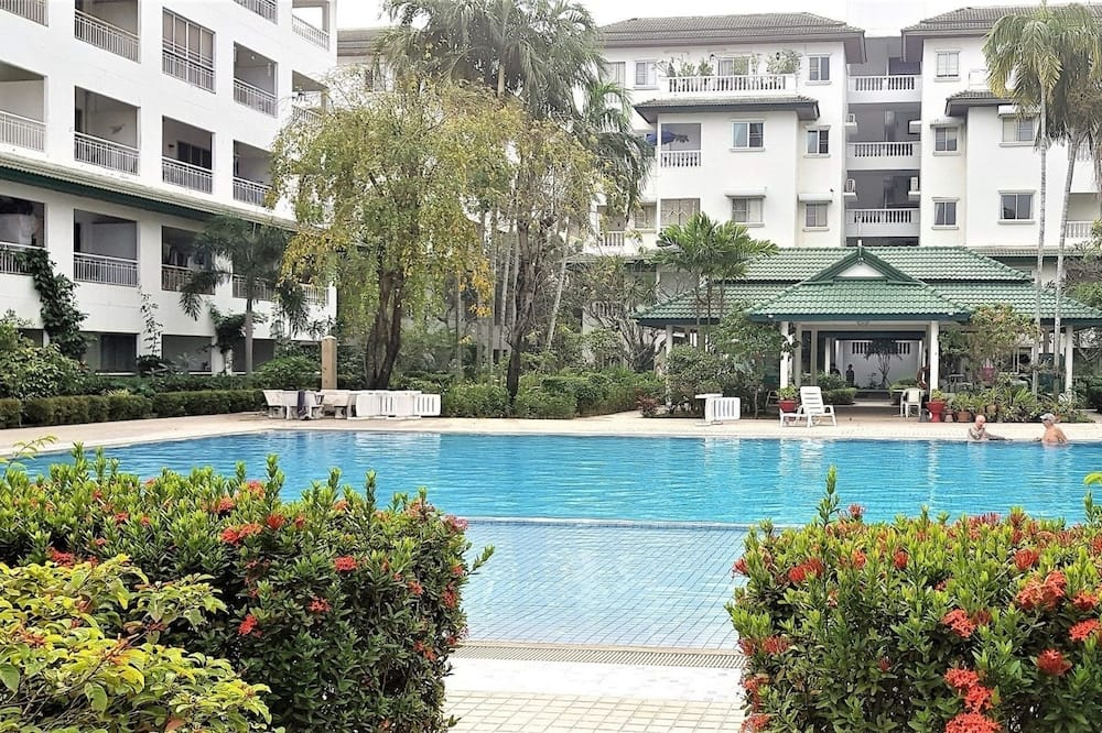 Apartment, 1 King Bed - Outdoor Pool
