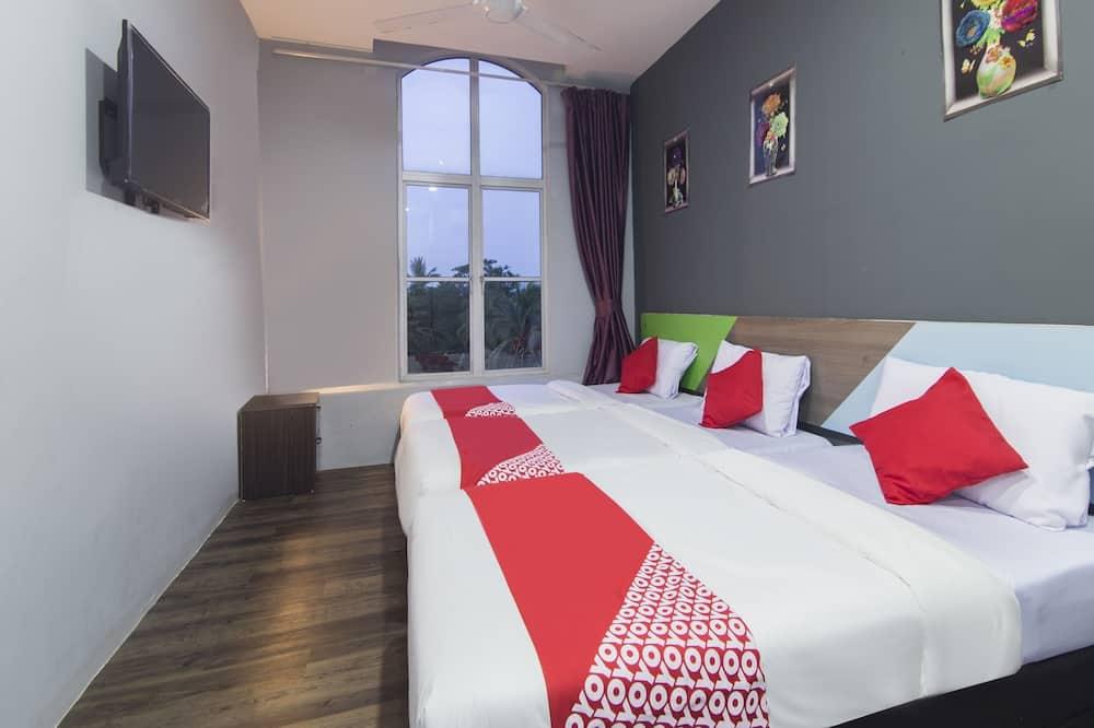 Deluxe Triple Room, 3 Twin Beds - Guest Room