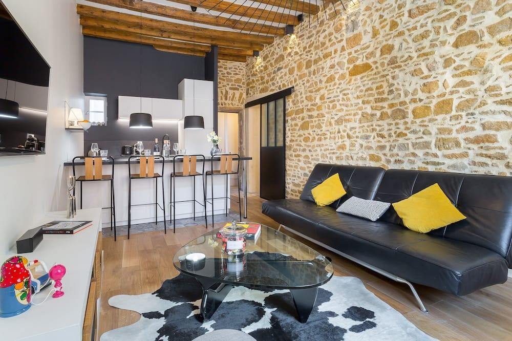 Deluxe Suite, Private Bathroom - Lounge