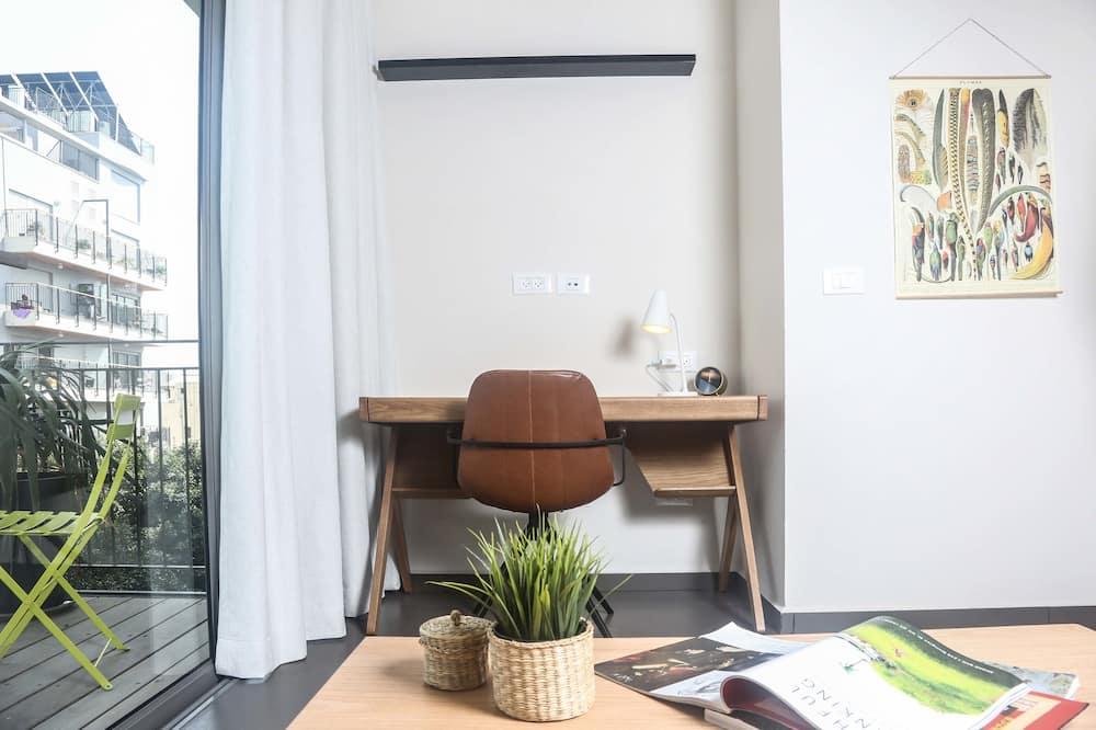 Deluxe Studio with Balcony - Wohnbereich
