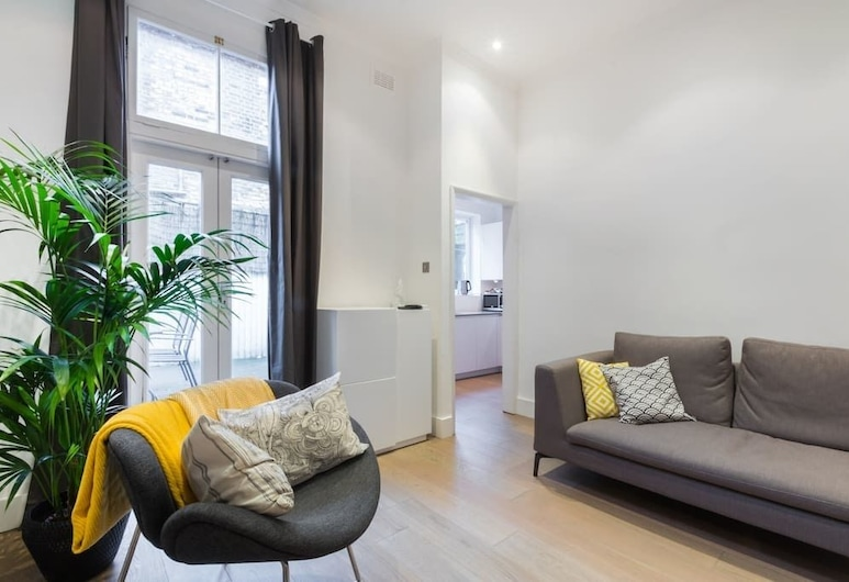 Modern stylish and luxurious 1 bed flat, London, Apartment, 1 Bedroom, Living Area