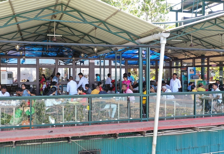 Rainforest Villa, Mahabaleshwar, Restaurant