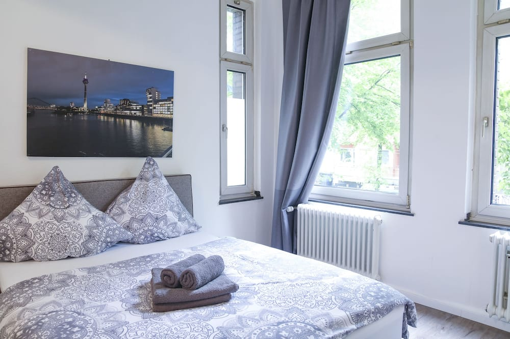 Classic Double Room, Balcony - Guest Room