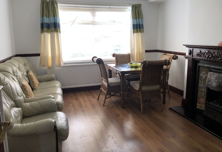 Found Serviced Accommodation - Wandsworth Avenue, Μάντσεστερ, Lounge ξενοδοχείου