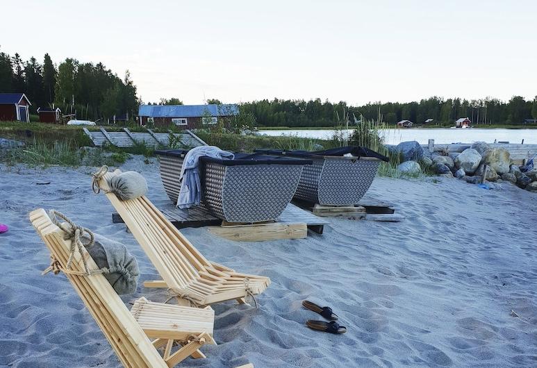 Lotshuset Gästhem, Nordmaling, Bañera de hidromasaje al aire libre