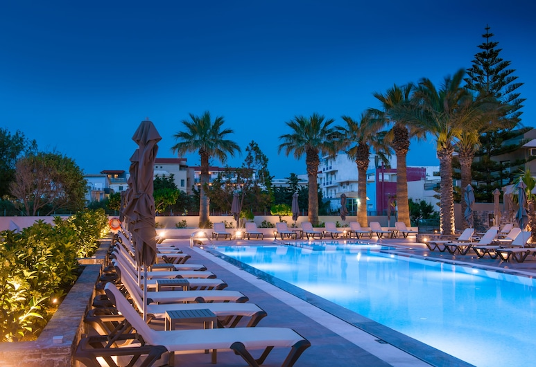 Petousis Hotel & Suites, Malevizi, Outdoor Pool