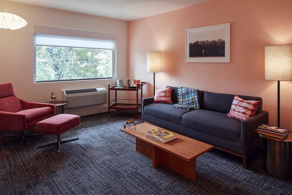 Люкс, 1 двуспальная кровать «Кинг-сайз» с диваном-кроватью - Зона гостиной