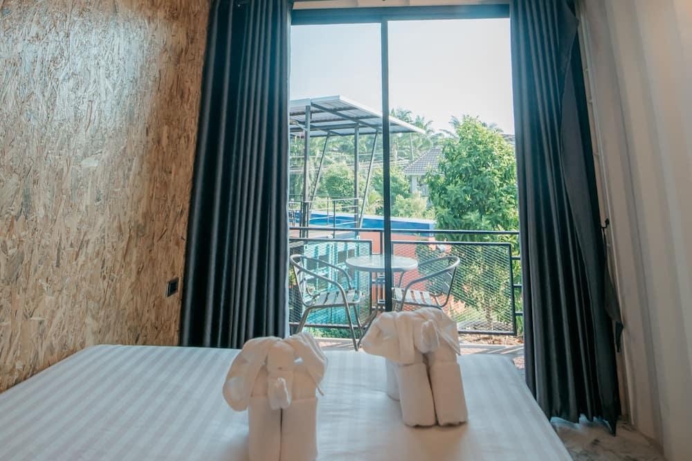 Deluxe Room, 1 Queen Bed - Guest Room