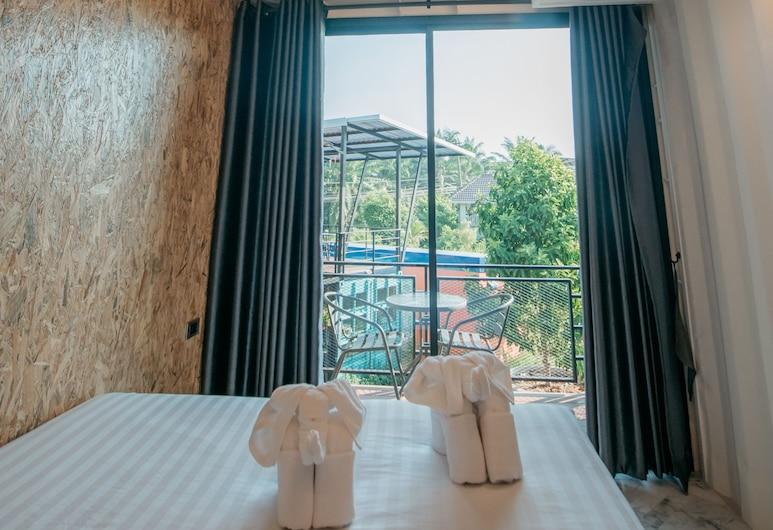 Kipbox Hotel Trang, Trang, Deluxe Room, 1 Queen Bed, Guest Room