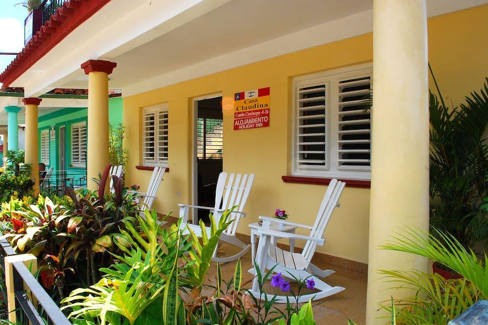 Standardní pokoj s dvojlůžkem nebo dvěma jednolůžky - Výhled do zahrady