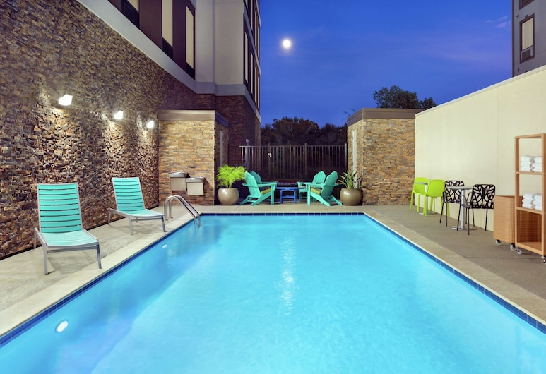 Home2 Suites by Hilton Houston-Pearland, יוסטון, בריכה