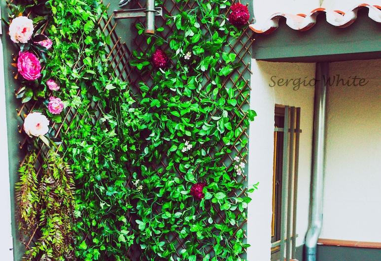 Roso de Luna By Kubik Alojamientos, กาเซเรส, ดีไซน์อพาร์ทเมนท์, 1 ห้องนอน, ระเบียง, วิวเมือง (3), ลานระเบียง/นอกชาน