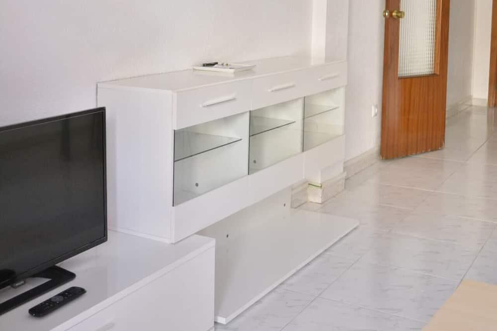 Basic-Apartment, Mehrere Betten (HC2-2-1C - Hyppolytus  - COMPLUTUM) - Wohnzimmer