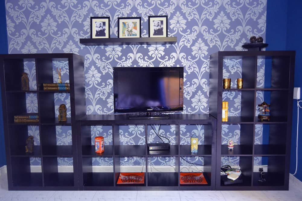 Apartment, Multiple Beds (HC2-1-3D - Calisto - QUEVEDO 3) - Living Room