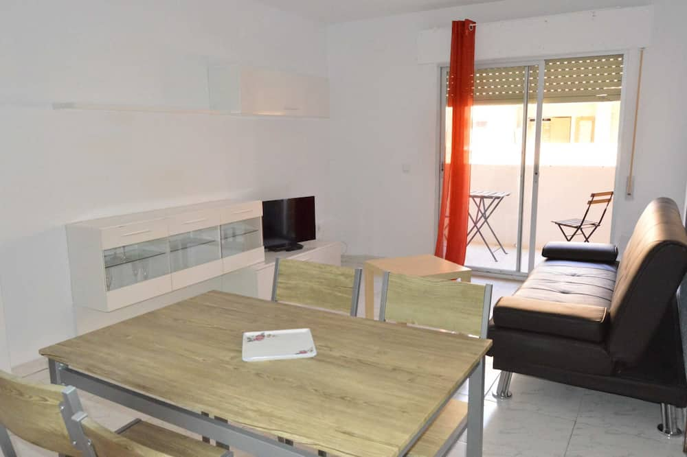 Apartment, Multiple Beds (HC2-2-1D - Augusto - COMPLUTUM) - Living Room