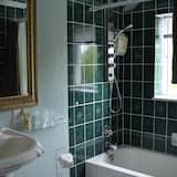 The Auditors Suite - Bathroom